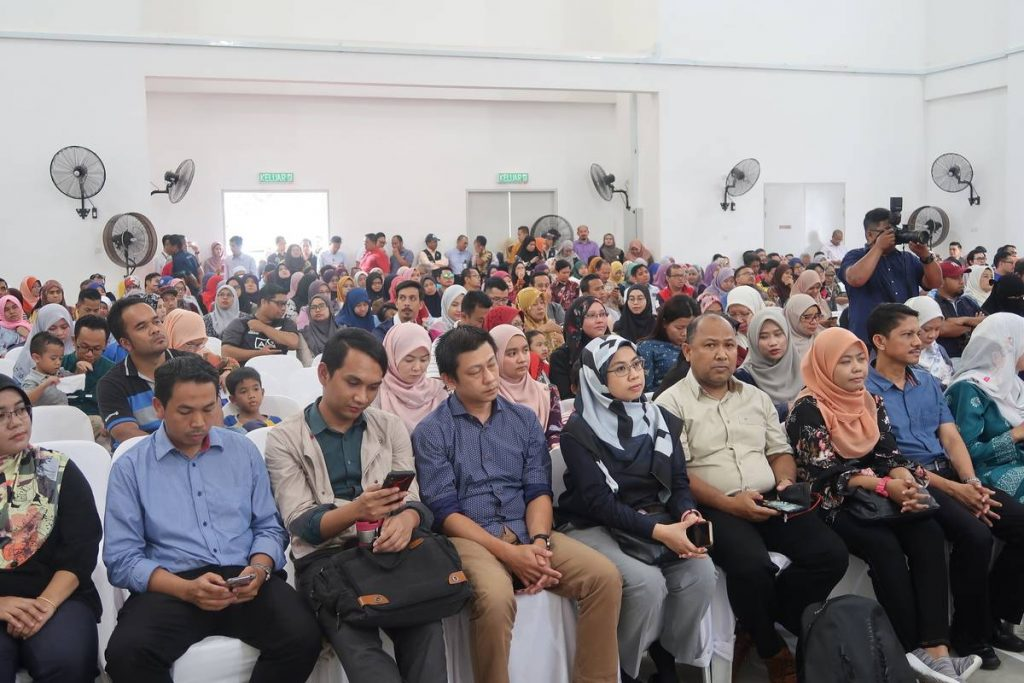 7 Nov 2019: Projek Perumahan Awam Malaysia (PPAM) Seruling - Handing over keys to purchasers 2